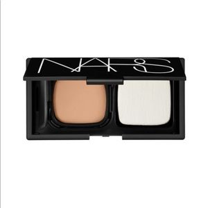 NARS cream foundation & compact in light 1
